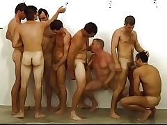 Gay orgy - sexo desnudo twink