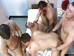 Trevor Knight - clipes de sexo gay